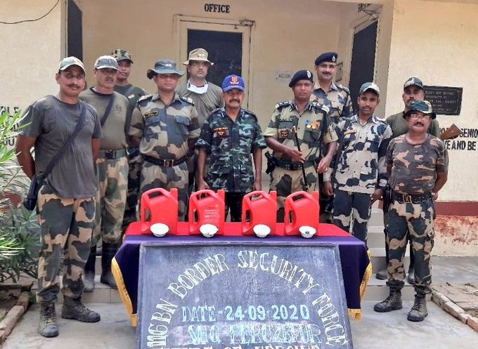 Photo ID: 1136222Caption: BSF seize 13 kg heroin in Punjab's Ferozepur. (source:ianstwitter)Release Date & Time: 2020-09-24 17:24Source: IANSImage Type: JPG  FileDimensions: 680*497 pxImage Size: 247.9 KBEvent: Free Photo: BSF seize 13 kg heroin in Punjab's Ferozepur