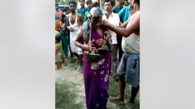 Photo ID: 1125237Caption: Couple thrashed and paraded in UP village over alleged affair.Release Date & Time: 2020-08-27 11:11Source: IANSImage Type: JPG  FileDimensions: 1280*720 pxImage Size: 219.4 KBEvent: Free Photo: Couple thrashed and paraded in UP village over alleged affair