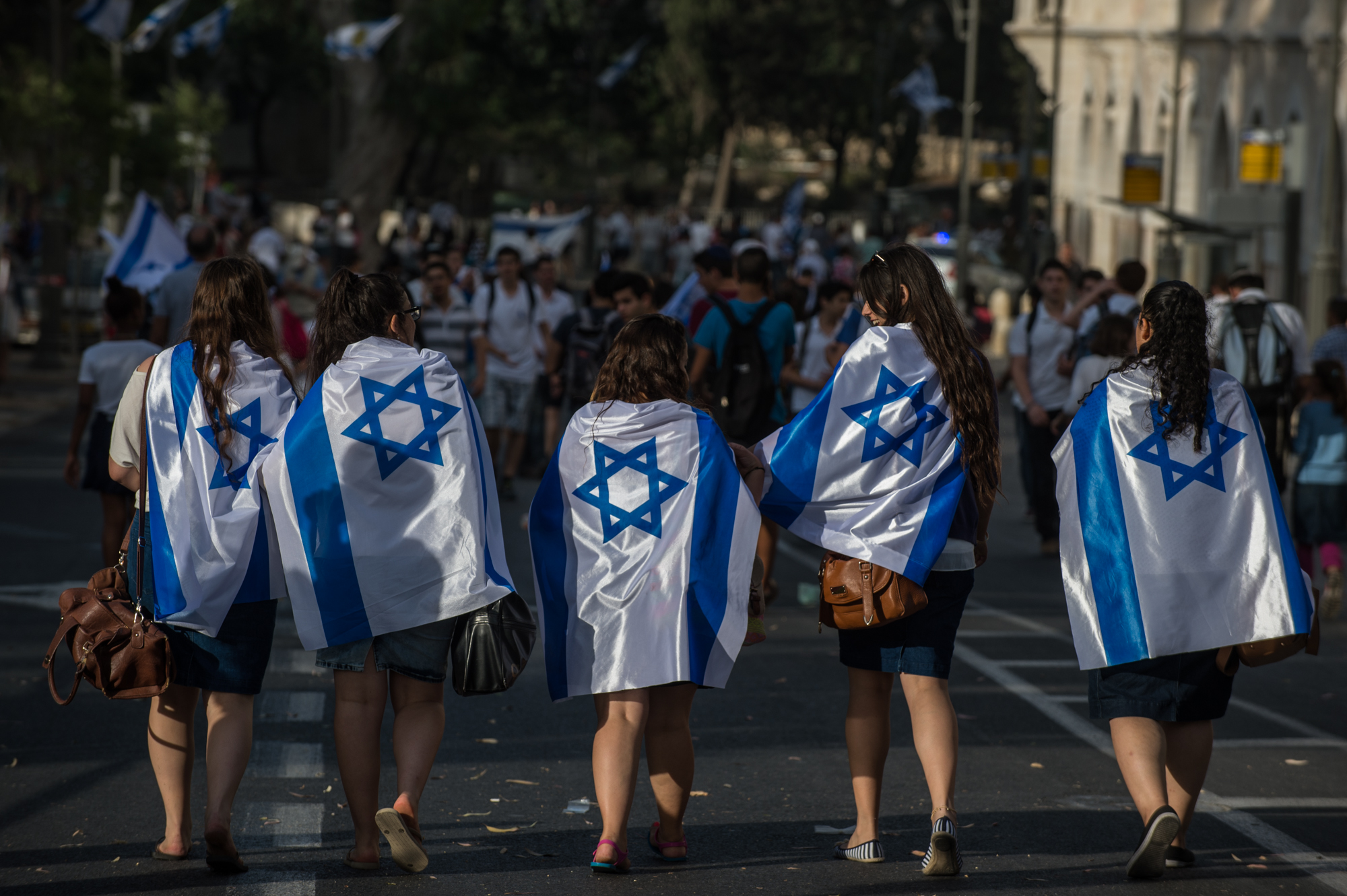 Israel reroutes parade to avoid clashes with Palestinians