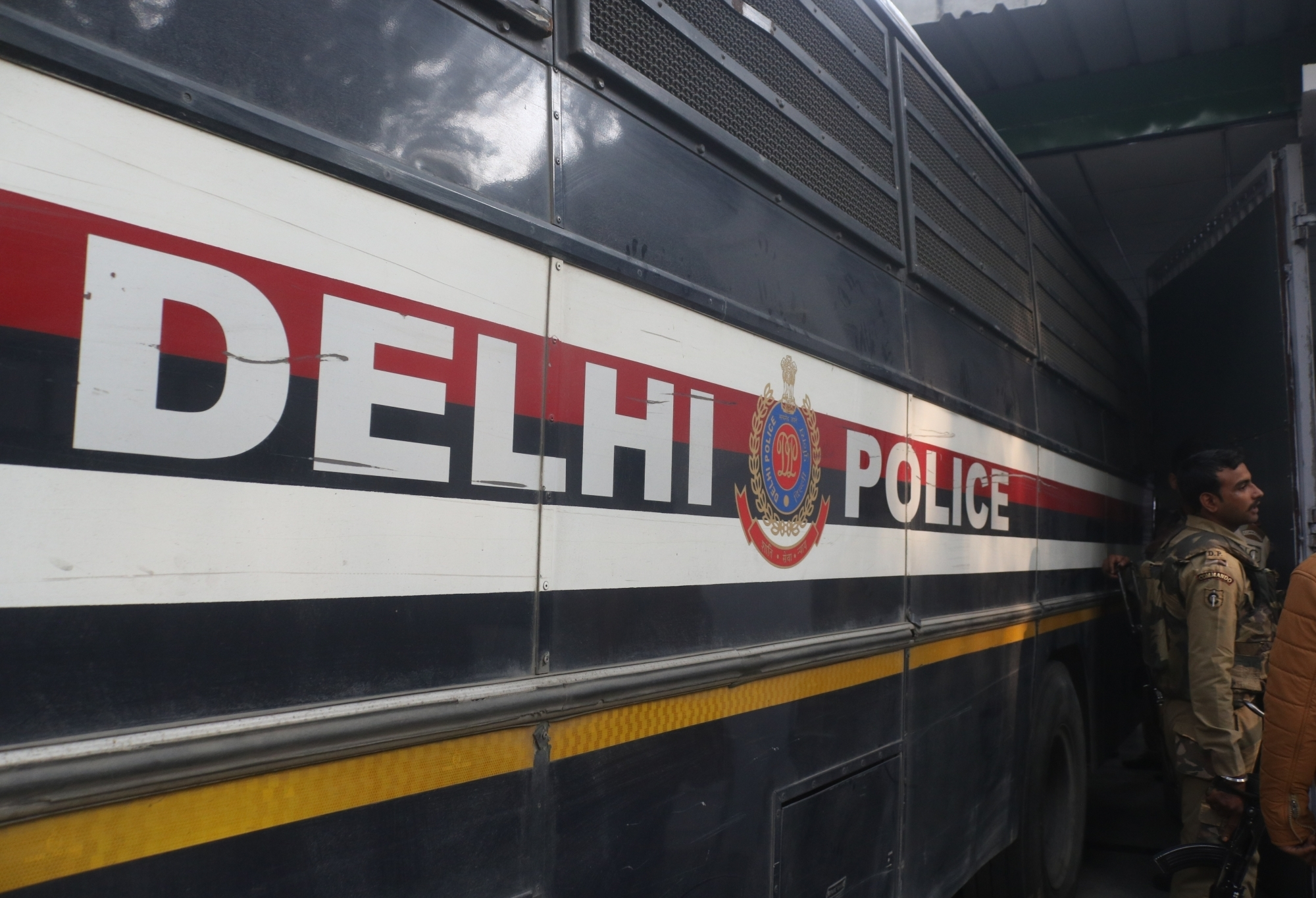 Search on for Delhi spa centre owner in sex racket case - newsonfloor.com