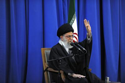Iranian leader backs Palestine, Kashmir struggle (Lead)