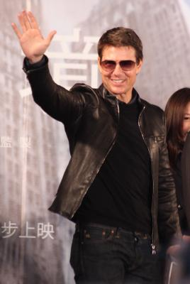 Tom Cruise has fallen for  Mission:Impossible  co-star Vanessa Kirby