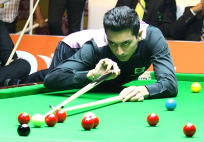Advani, Mehta to clash in CCI snooker meet final