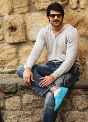 Prabhas s clean shaven look goes viral