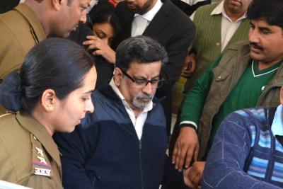 Talwars to walk free four years after conviction in Aarushi murder (Intro Roundup)