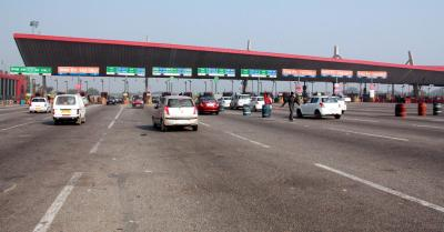 Marshals at toll gates to ensure smooth roll-out of FasTag lanes