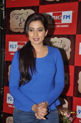 Birthday wishes pour in for Shreya Ghoshal