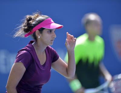 Sania Mirza reaches women's doubles pre-quarters in Dubai