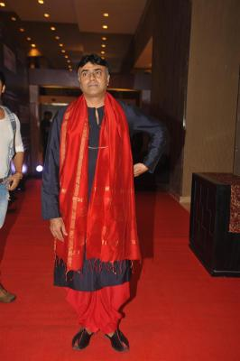 Rajit Kapur excited with his complex character in 'Bypass Road'