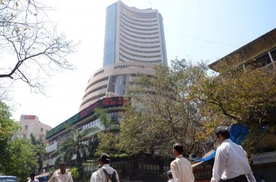 Sensex in green, RIL stocks surges nearly 3% (Ld)