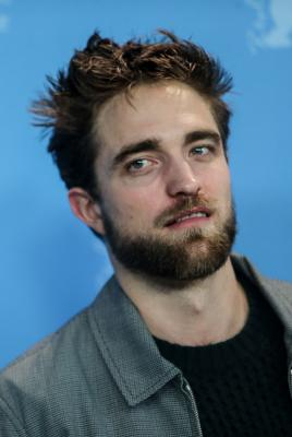 Robert Pattinson doesn t feel as stressed post  Twilight  saga