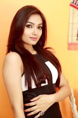 Happy to make Bollywood debut with a strong female character: Aishwarya Devan