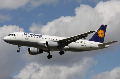 Lufthansa accepts German govt's rescue package