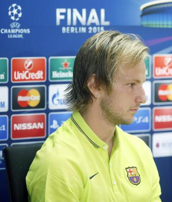Rakitic rejoins Bara group training on day of anti-doping tests