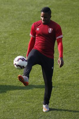 Farfan recalled to Peru squad for World Cup qualifiers