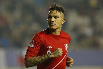 Banned Peru striker Guerrero vows to fight drug accusations