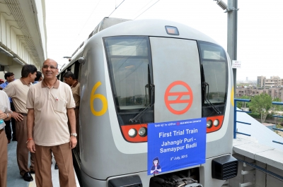 Maken urges AAP, BJP to stop ugly politicking on Metro fare hike