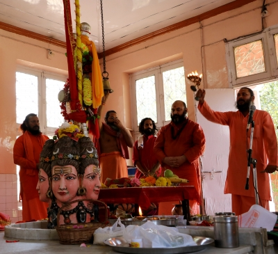 Devotees throng temples in Kashmir on Mahashivratri