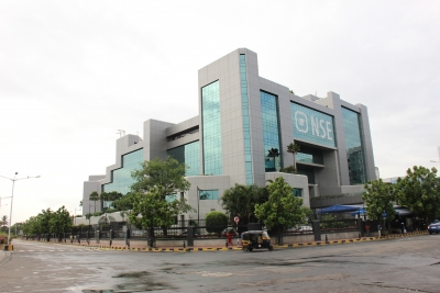 NSE gets SEBI notice on preferential access to brokers (Lead, superseding earlier story)
