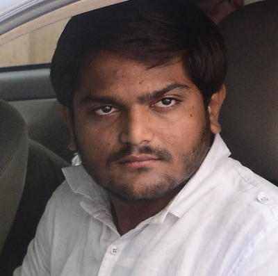 OBC leader Alpesh to join Congress, two Hardik aides embrace BJP (Lead)
