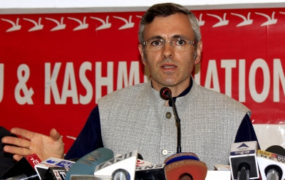 Omar, Mirwaiz laud blind girl for passing Class 10 exam