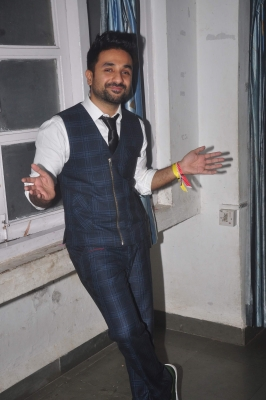Vir Das  notebooks  Frequent Breaks  to inspire students