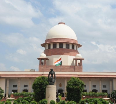 SC fines Maharashtra builder Rs 100 crore