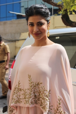 Don t like stereotyping others: Shruti Haasan