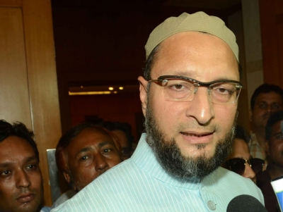 Why police flag-march only at Charminar, asks Owaisi