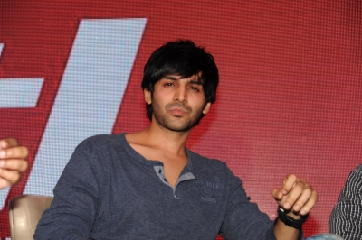 It s finally happening to me: Kartik Aryan