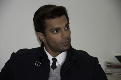 Karan Singh Grover launches his art website, YouTube channel