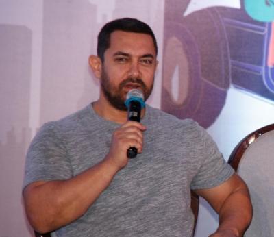 Showbiz pays on basis of stardom, not gender: Aamir