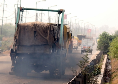 Delhi govt rapped for opposing technology to combat pollution (Lead)