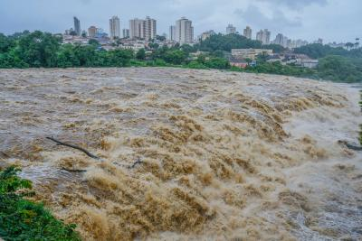Torrential rain claims 30 lives in Brazil (Lead)