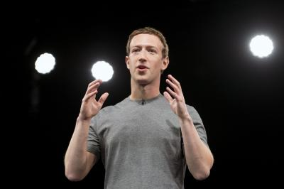 Mark Zuckerberg apologises for data debacle, says ready to testify (Lead)