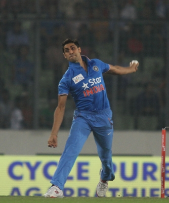 Nehra announces he will retire on November 1