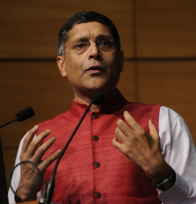 India should have 5-7 big banks, both public and private: CEA