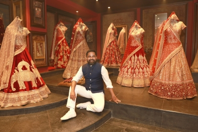 Sabyasachi trolled over 'overdressed' post, apologises