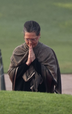 Have been admirer of Shashi Kapoor since I saw  Shakespearewallah : Sonia in condolence letter