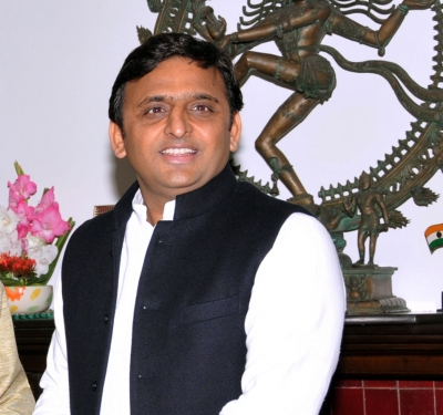 Akhilesh responds to Shivpal's offer with a cold silence
