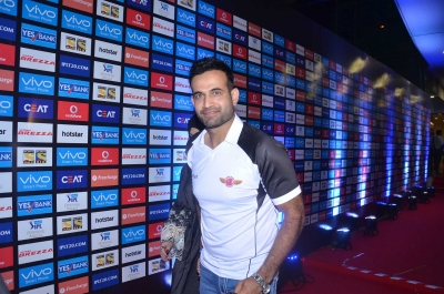 Irfan Pathan, Harbhajan Singh to debut in Tamil cinema