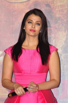#MeToo movement gaining momentum is good sign: Aishwarya