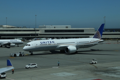 Woman forced to carry child on lap to sue United Airlines