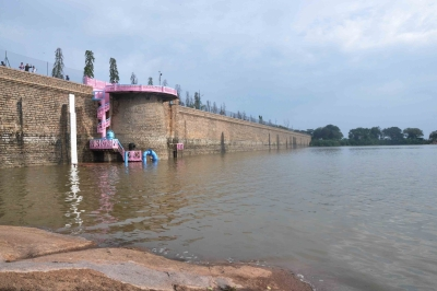 Water level of 91 major reservoirs drops 2%