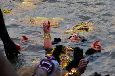 Complete Durga idol immersion by October 1