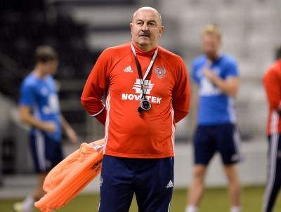 Doping officers constantly monitor Russian footballers, says coach