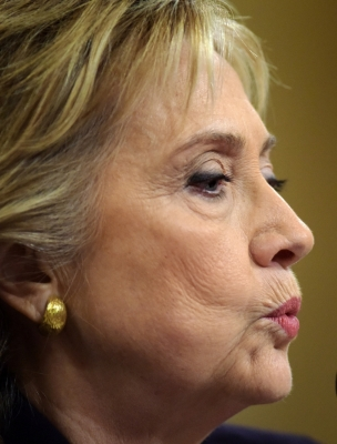US House open probe into FBI s handling of Clinton emails