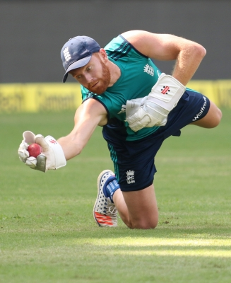 Wokes, Bairstow give England 250-run lead over India on Day 3 (Roundup)