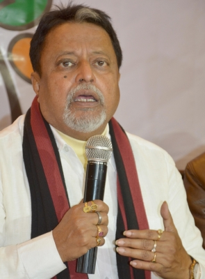 People uniting to defeat Trinamool, bring  another change  in Bengal: Mukul Roy (Lead)