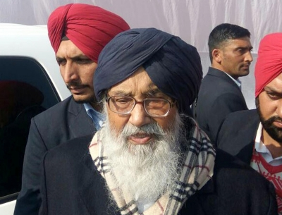 Akali patron Badal returns Padma award, says govt betrayed farmers
